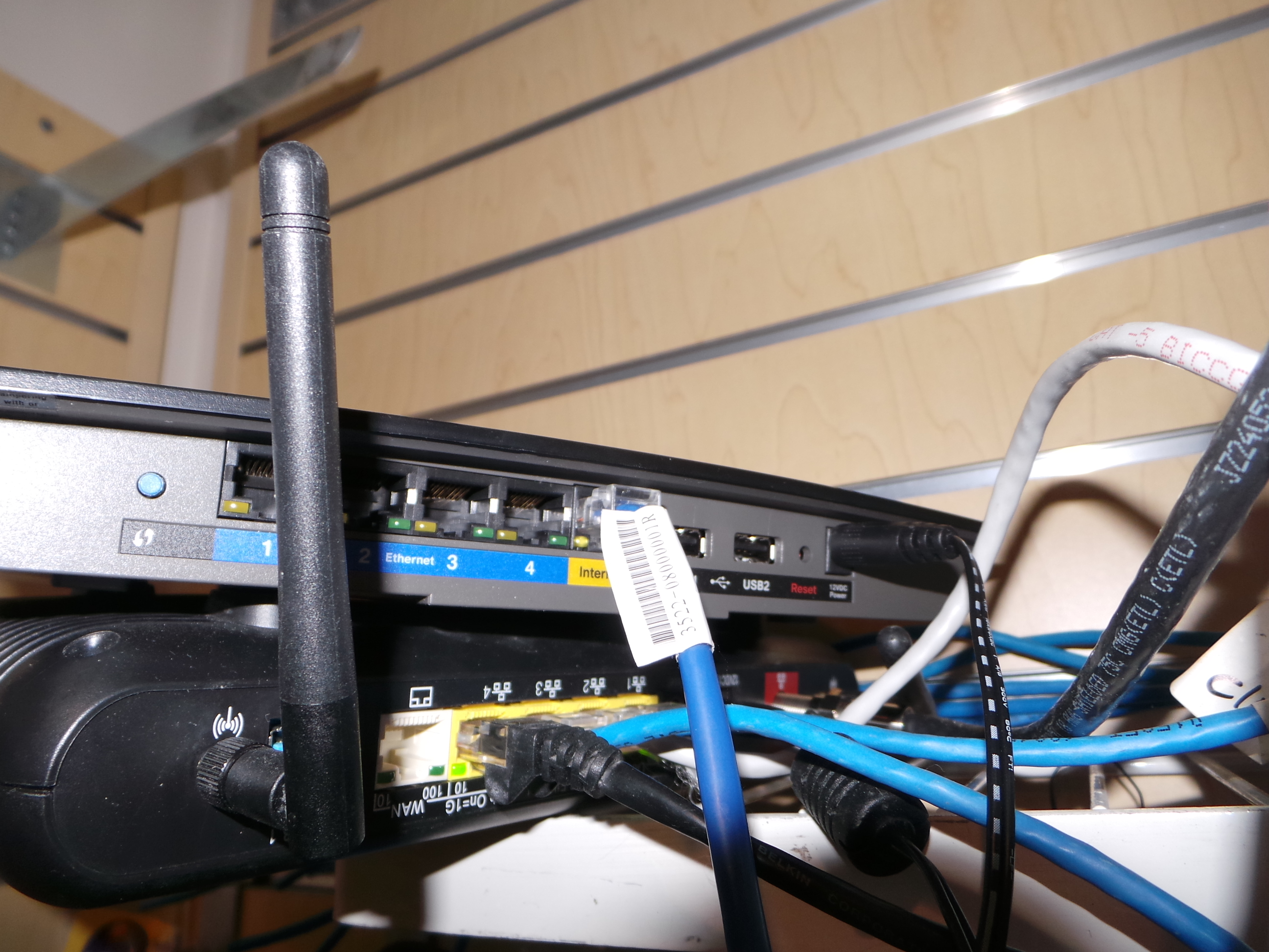 how to connect linksys router to internet